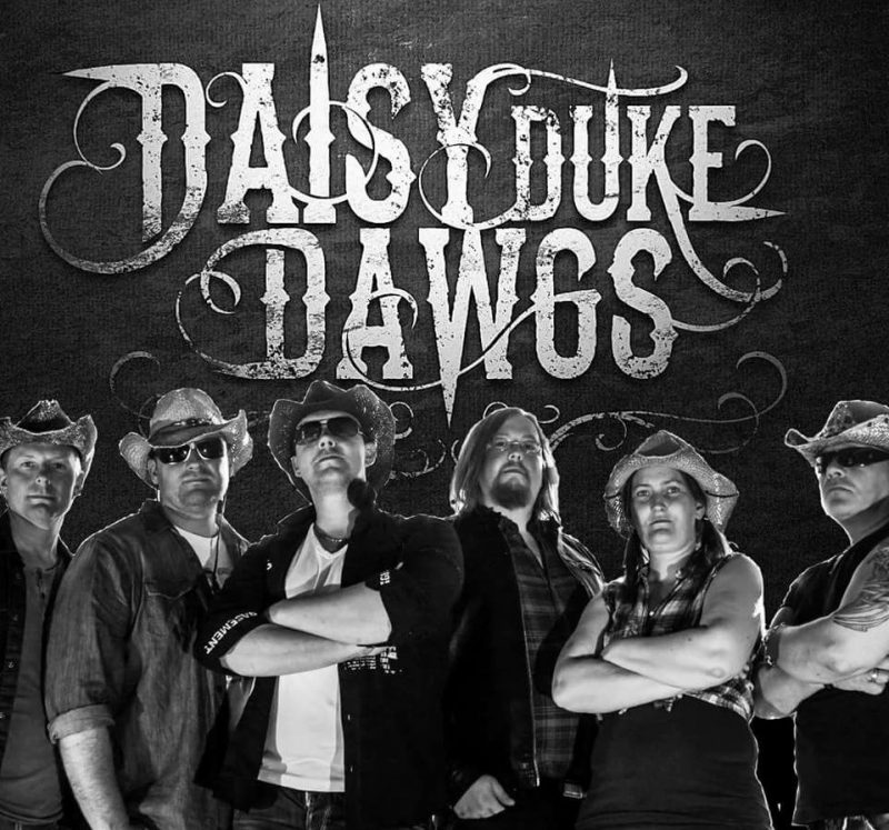 Daisy Duke Dawgs ute med skamfine debutalbumet